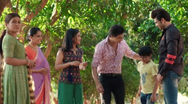 Yeh Rishta Kya Kehlata Hai 18th May 2021 Written Update: Sirat practices with a male boxer
